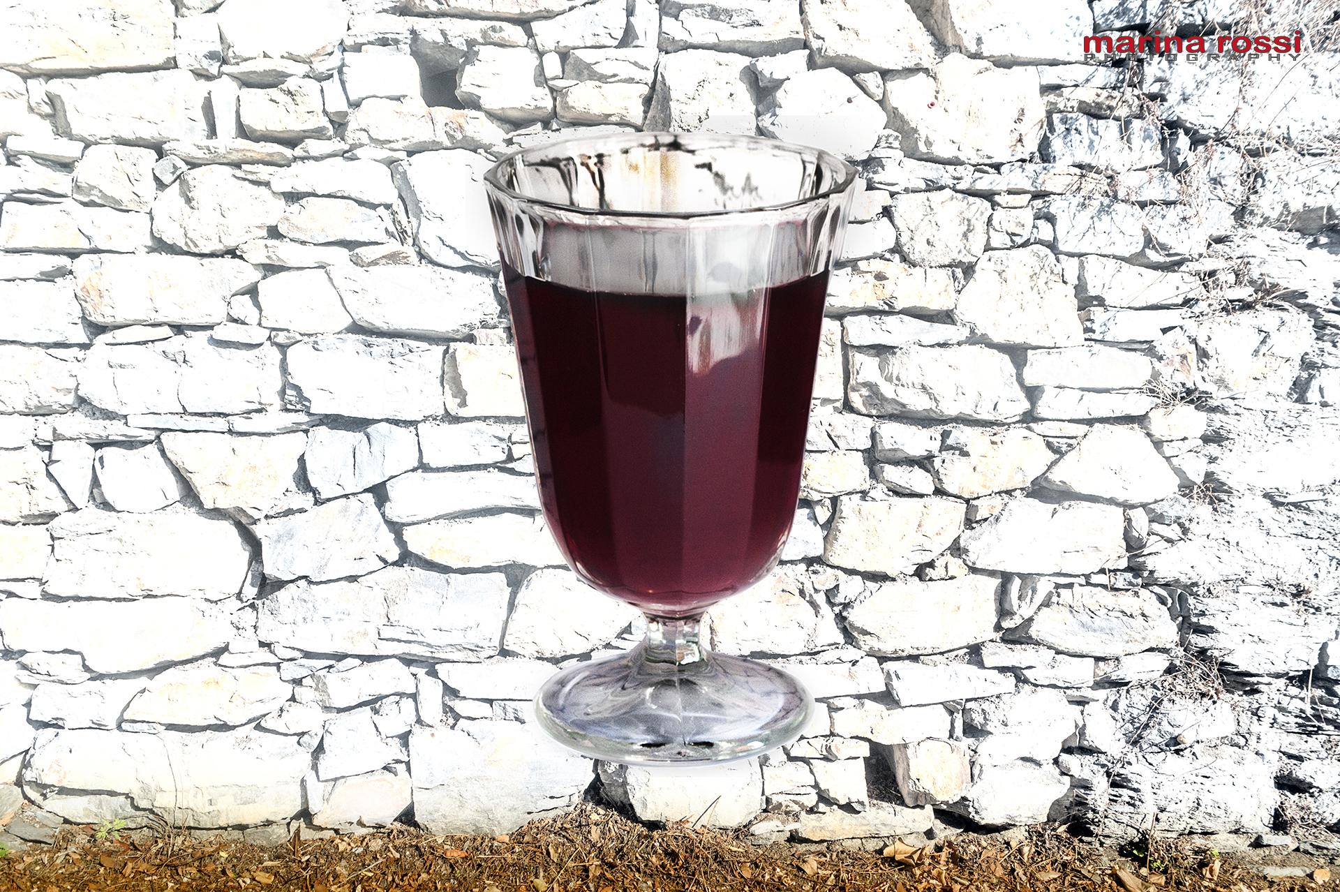 03-MuroBianco-Bicchiere